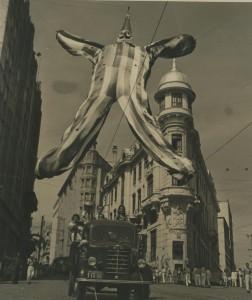 Decoração do carnaval de 1952.